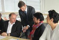 v.l.n.r.: Josip Juratovic , Xenios-Vorstand Josef Bogenschütz, Ministerin Katrin Altpeter, Sibylle Mösse-Hagen
