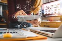 Der Bachelor Marketing bei WINGS ist eine Kombination aus Grundsatzmethoden und neuesten Kommunikationstechniken. Foto: Shutterstock