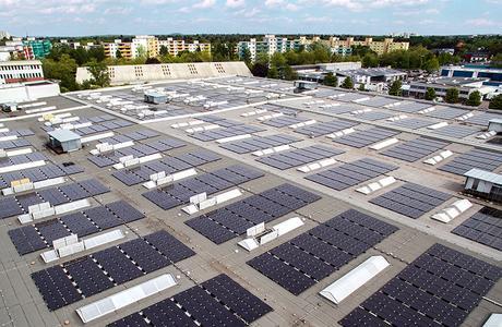 PV-Dachanlage mit 1.500V Systemtechnik auf dem Hybridkraftwerk Berlin - Marienfelde