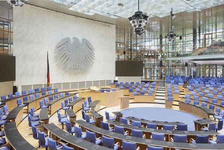 Zu den von Piepenbrock gereinigten Tagungsorten gehört der ehemalige Plenarsaal des Deutschen Bundestags. (Bild: World Conference Center Bonn)