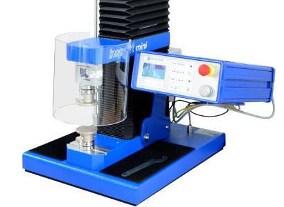 Universalprüfmaschine Inspekt mini 3 kN mit Schutzvorrichtung für die Prüfung von Sprengtabletten