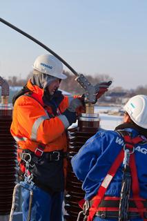 Die WEMAG hat am vergangenen Wochenende im Umspannwerk Boizenburg in kürzester Zeit einen Transformator gewechselt. Foto: WEMAG/Rudolph-Kramer