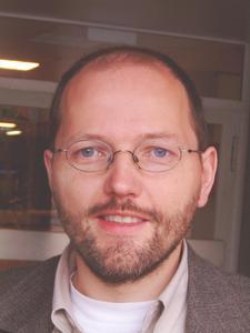 Guido Hinz, Informatiklehrer des Einhardgymnasiums und Projektleiter von isnix