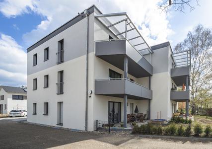 Die Balkone wurden im Sinne der Energieoptimierung thermisch vom Gebäude getrennt, Foto: Caparol Farben Lacke Bautenschutz/Martin Duckek