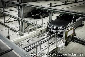 Präzises Einparken: Das Fahrzeug wird vom Shifter an seine Position gebracht