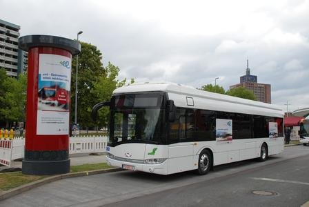 Line-service operation has begun: The first opportunity-charging battery bus with traction equipment from Vossloh Kiepe is driving in Brunswick / Photo: Braunschweiger Verkehrs AG