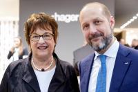 Brigitte Zypries zu Gast am Stand der Hager Group auf der Light + Building 2018