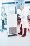 LAUDA Integral Prozessthermostate kommen in einer Vielzahl von Anwendungen zum Einsatz, etwa zur Temperie-rung von Glasreaktoren in der Chemie, Pharmazie oder Biotechnologie