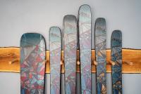 Premium-Ski made in Germany: Alle Ski werden in Freiburg im Manufakturstil, mit viel Handarbeit und in höchster Qualität gefertigt (Fotograf: Baschi Bender).