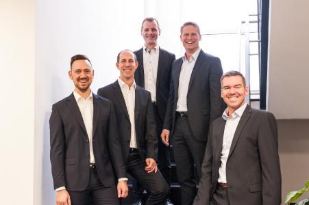 Die VINTIN Geschäftsführer: Stefan Hartwig, Michael Grimm, Christian Krug, Michael Datzer (Inhaber und Gründer) und Christoph Waschkau (v.l.n.r.).