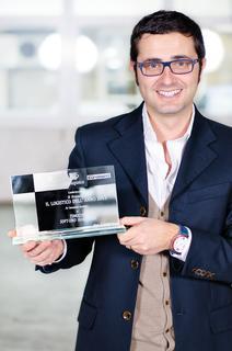 "Innovationspreis für TC eMap®: Tommaso Magistrali (TimoCom) freut sich über den Logistikpreis ""Il Logistico dell'anno"""
