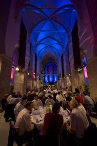 """Die Kremser Minoritenkirche wurde für die """"talk the future®""""-Gäste in eine einzigartige Gala-Location verwandelt."""