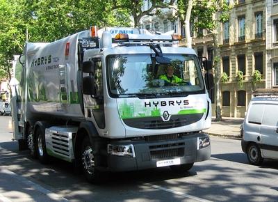 Der Renault Premium Distribution Hybrys Tech mit Müllsammelaufbau war eines der Clean Tech Modelle auf der Eco Tour