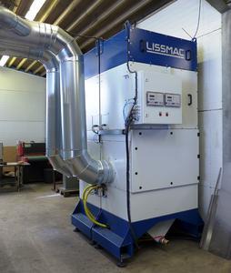 Bild 10: Passend zur jeweiligen Maschine bietet Lissmac auch leistungsfähige Absauganlagen aus einer Hand an