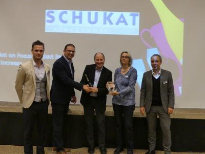 Schukat: Max Jakob (Panasonic), Silvio Ganzer (Panasonic), Bert Schukat, Annette Landschof (both Schukat), Rudolf Kammerer (Panasonic) (left to right)