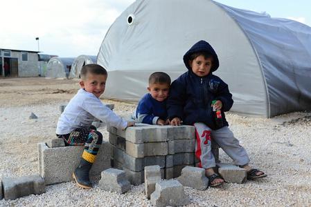 Die von Logwin transportierten Hilfsgüter werden unter anderem im Flüchtlingslager Suruç verteilt. © Procyk Radek/shutterstock.com
