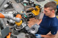 Human-robot collaboration in the axle drive assembly