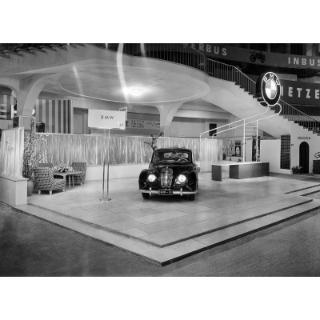 "Debut of the BMW 501 ""Barockengel"" at the Frankfurt Motorshow 1951"
