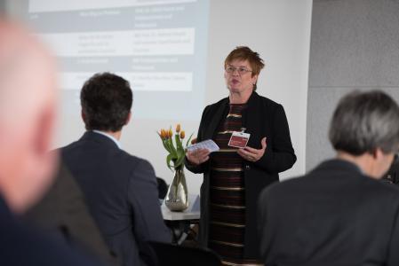 Rektorin Prof. Dr. Karin Luckey begrüßt die rund 70 Gäste / Foto: Sabrina Peters, Hochschule Bremen