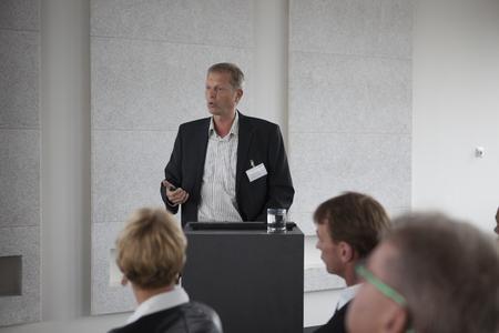 IT-Experte Prof. Dr. Richard Sethmann fordert für moderne Autos und Fertigungsmaschinen eine gute Sicherheitsarchitektur, Foto: Dennis Welge, Hochschule Bremen