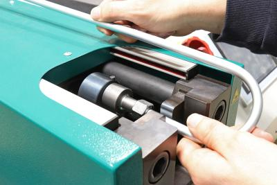 Cutting ring assembly: new tool holder for tubes with small bending radii