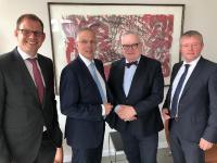 Bild (v.l.):Michael Eichler, Andreas Krautscheid, Staatsrat Hans-Henning Lühr, Dr. Stephan Klein
