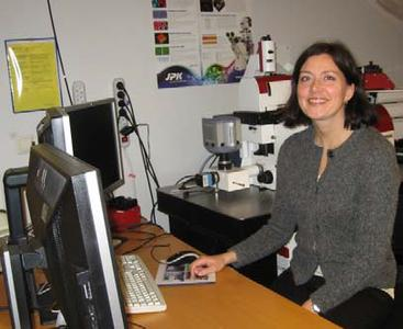 NTNU associate professor, Marit Sletmoen, with her JPK NanoTracker™ Optical Tweezers system