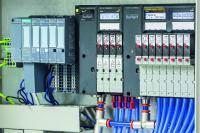 Einfache Integration in die Siemens-Welt: Die Ventilinsel vom Typ 8647 ist vollständig in das dezentrale Peripheriesystem SIMATIC ET 200SP HA von Siemens integriert. (Quelle: Bürkert Fluid Control Systems)
