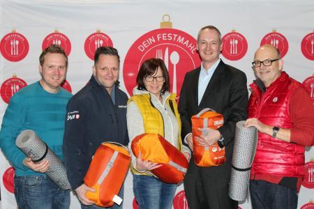 Simon Zeimke (dbh Logistics IT AG), Mario Roggow (Messe Bremen & ÖVB-Arena), Nina Ranwig (Management Semino Rossi), Marco Molitor (dbh) und Lübbo Roewer (DRK).