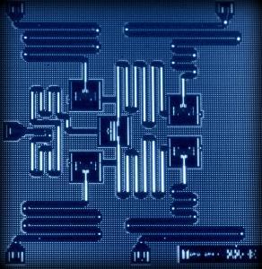 IBM entwickelt ersten universell einsetzbaren Quantencomputer für Unternehmen und Wissenschaft