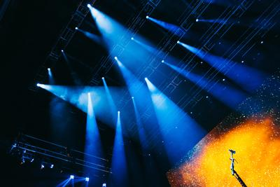 John Mayer's Born and Raised World Tour Relies On HARMAN's Martin Viper Lighting Fixtures