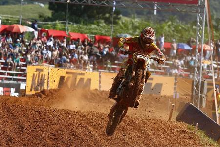 Coldenhoff wins Brazil MX2 Moto