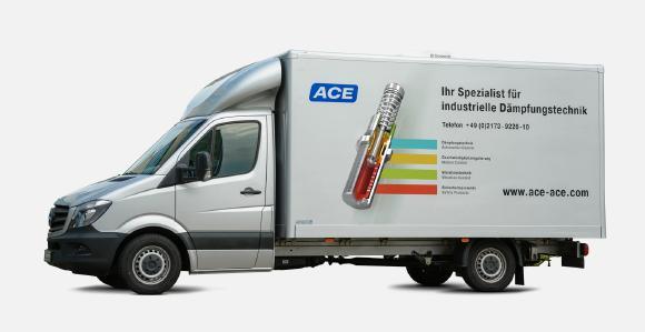Im ACE Vorführwagen werden Anwendern in ganz Europa die Vorteile von Industriegasfedern, Industriestoßdämpfern, Bremszylindern und anderen Dämpfungslösungen vor den eigenen Firmentoren demonstriert / Bildnachweise: ACE Stoßdämpfer GmbH und HAWKS Racing e. V.