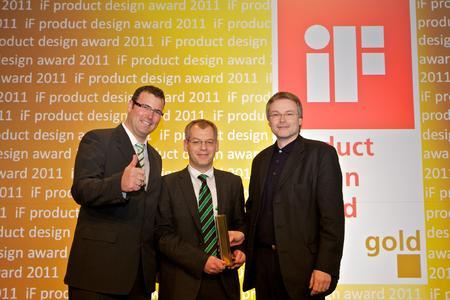 v. l. n. r.: Martin Shuh (bott), Bernd Geiger (bott) und Robert Müller (Tedes Designteam) bei der Preisverleihung am 1.3.11 in Hannover