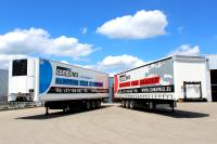 Combinex puts its trust in tarpaulin semi-trailers and refrigerated trailers from Kögel