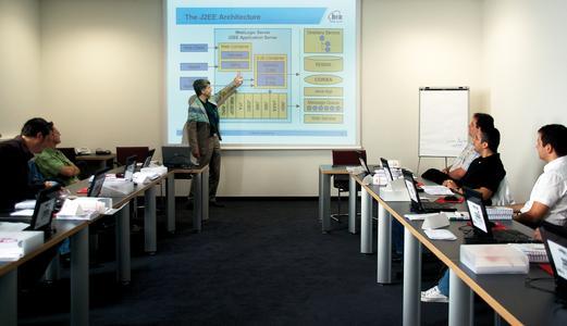Die mit modernstem technischem Equipment ausgestatteten Schulungsräume befinden sich in der Magirus Zentrale in Stuttgart.