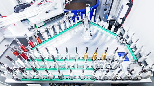 Automatischer Werkstückwechsel mittels Kettenlader