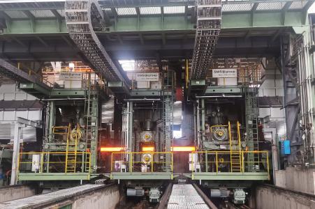 Das Herz der Anlage: die CCS®(Compact Cartridge Stand)-Tandemwalzgruppe mit hydraulischem Anstellsystem und vollautomatischem Programmschnellwechsel