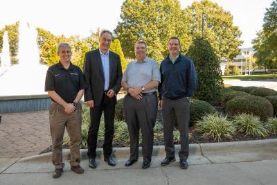 Von rechts nach links: Leon Topalian, Nucor President & COO; John Ferriola, Nucor Chairman und CEO; Burkhard Dahmen, Vorsitzender der Geschäftsführung der SMS group GmbH; Keith Watson, SMS group Inc. Vice President