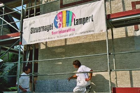 Energieeinsparung großgeschrieben: Bei der Fassadendämmung setzen Fachhandwerker auf die leistungsstarke Dalmatiner-Platte von Caparol.