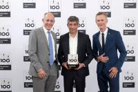 Die Preisverleihung am 29. Juni 2018, Ranga Yogeshwar (Bild Mitte) ehrt TOP-100 Innovatoren Otto Christ (im Bild links) und Alexander Christ (im Bild rechts), beide Vorstände der Otto Christ AG (Bildquelle: KD Busch/compamedia.)