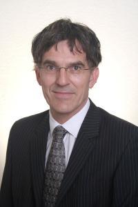 Oliver Kipf verbindet beruflich seine Expertisen für das Gesundheitswesen und Enterprise Architecture Management (EAM)