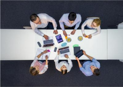Den Service für die internationale Glaswelt laufend auszubauen, ist bei Grenzebach ein strategisches Anliegen. Eine von zahlreichen Initiativen ist der Einsatz von Produktmanagement- und Core-Teams: Die Core-Teams sind jeweils interdisziplinär besetzt, die vielfältigen Erfahrungen, die speziellen Perspektiven und das gebündelte Know-How kommen den Kunden ganz individuell zugute. Quelle: Grenzebach
