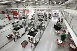 Technologie- und Schulungszentrum mit Klimatechnik