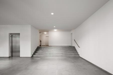 Sämtliche Treppenhäuser wurden mit Caparol Mattlatex weiß gestrichen. In allen Wohnungen erfolgte der Erstanstrich mit Produkten der DAW-Marke Alligator. (Foto: Caparol Farben Lacke Bautenschutz/Claus Graubner)