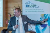 Achim Plum von der Firma Curetis verwies auf die Problematik der stark zunehmenden Resistenzbildung von mikrobiellen Erregern gegenüber praktisch allen Antibiotika-Klassen. (c) BioLAGO