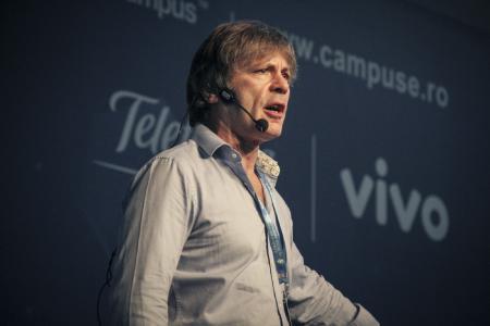 Bruce Dickinson, Sänger der britischen Band Iron Maiden und langjähriger Unternehmer, eröffnet die MHLC Europe mit einer Keynote. (Foto: Dematic)