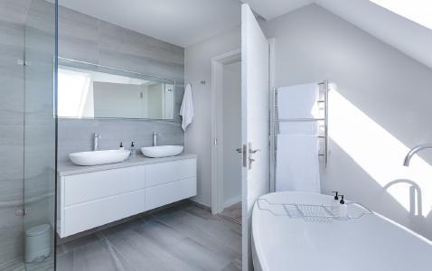 Das Badezimmer ist ein Ort zum Wohlfühlen und Entspannen