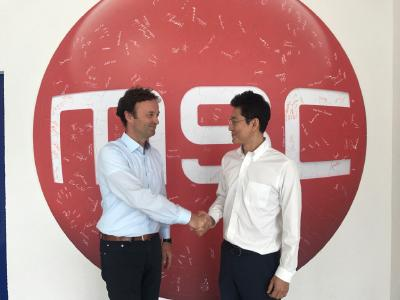 Thomas Klein, Vice President of Sales at MSC Technologies, (left) and Steve Seo, acting as Senior Manager for LED Marketing at LG Innotek