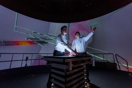 Virtuelles Modell eines Untertagelabors in einer 360-Grad-Darstellung im Fraunhofer IFF. Wenn alle Betroffenen die Details vor Augen haben, lassen sich Entscheidungsprozesse einfacher gestalten. Foto: Dirk Mahler/ Fraunhofer IFF